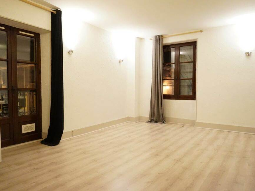 vente appartement 2 pi ces moirans 38430 169101. Black Bedroom Furniture Sets. Home Design Ideas