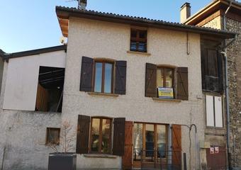 Location Maison 5 pièces 95m² Charnècles (38140) - Photo 1