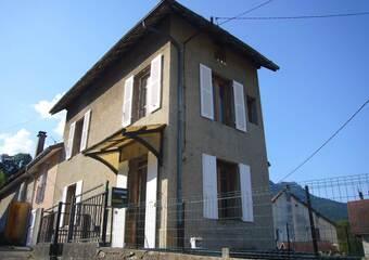 Location Maison 4 pièces 54m² Saint-Laurent-du-Pont (38380) - Photo 1