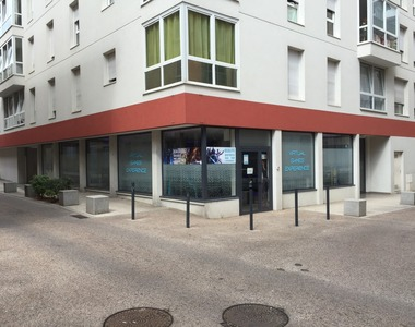 Vente Local commercial 4 pièces 90m² Voiron (38500) - photo